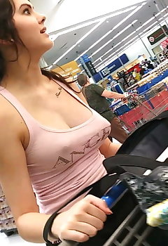 Real Life Cleavage Pics