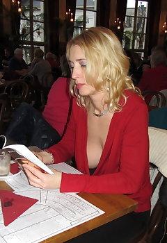Blonde Cleavage Pics