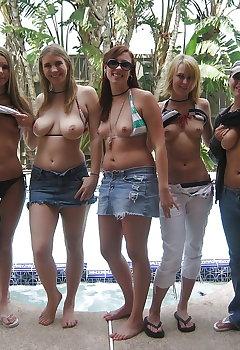Cleavage Tits Pics
