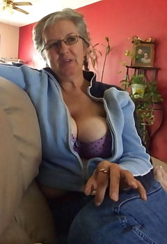Granny Cleavage Pics