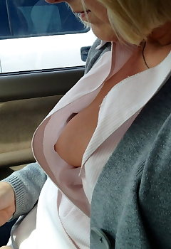 Cleavage In Car Pics