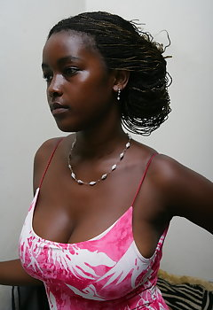 Ebony Cleavage Pics